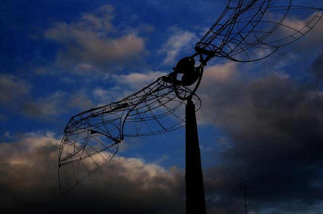 拘束された翼「アンテナ」